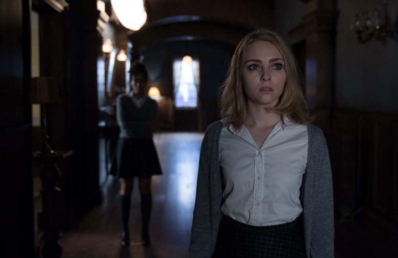 รีวิวหนัง Down a Dark Hall - โรงเรียนปีศาจ สู่ความดาร์กขนหัวลุก