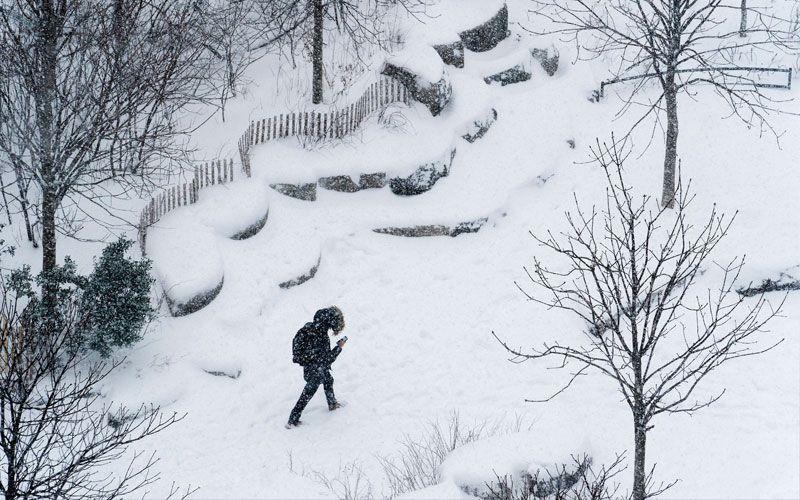 ต่างประเทศ - พายุหิมะถล่ม'สหรัฐฯ' กระทบเที่ยวบินนับพัน-เลื่อนฉีดวัคซีน