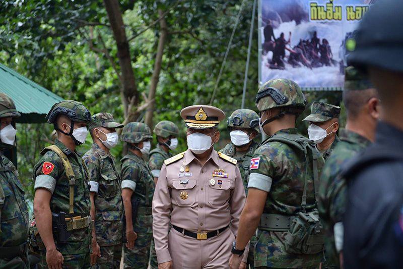 ในประเทศ - ผบ.ทร.ตรวจเยี่ยมกำลังพลชายแดนจันทบุรี-ตราดพร้อมชื่นชมการปฏิบัติภารกิจขับเคลื่อน ทร.